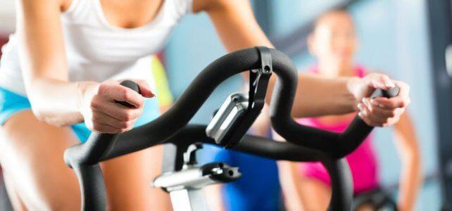 Упражнения на велотренажёре дома и их особенности
