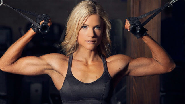 фитнес и бодибилдинг для девушек в тренажёрном зале
