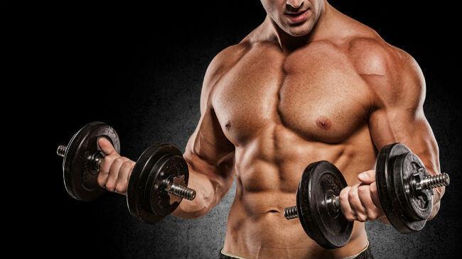 Как лучше набрать мышечную массу: малым или большим весом?